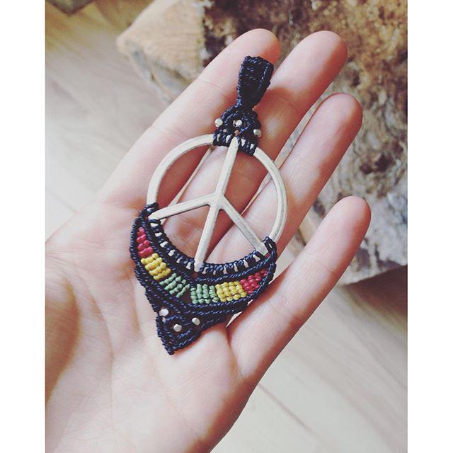 Hippie Halskettenanhänger ️ #hippiestyle #macrame #macramelove #peace #macramejewelry