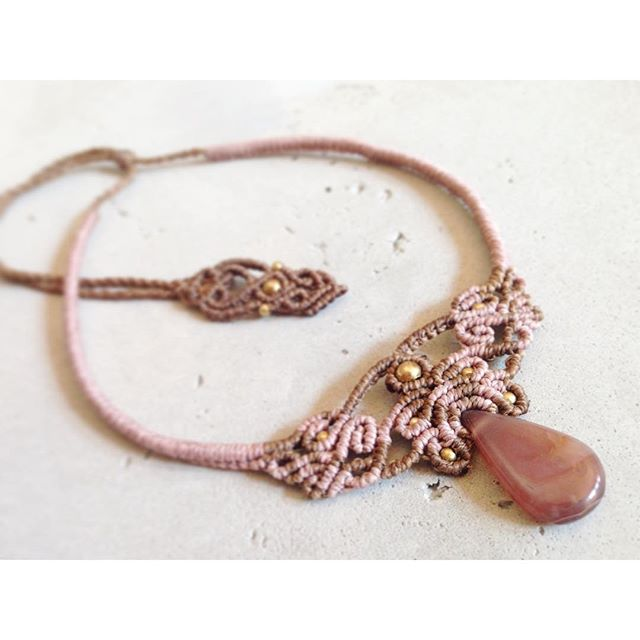 sweet brown & dustypink collier #macramecollar #macramejewelry #dustypink #nicethings #macrameart