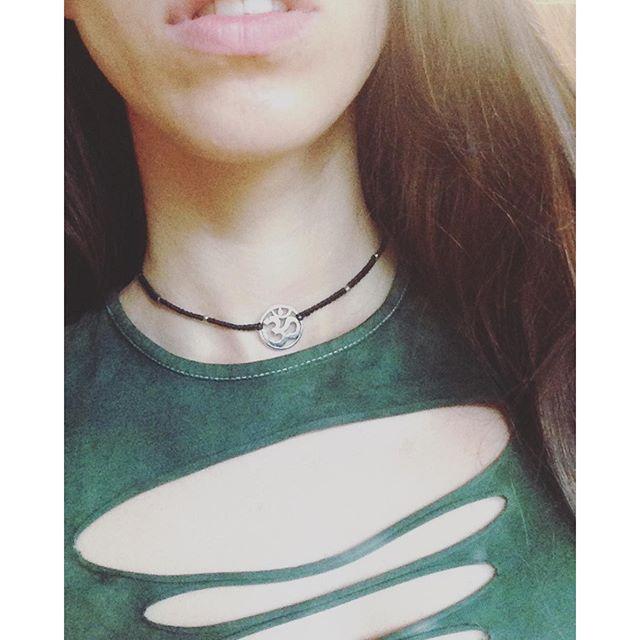 zarte kleine Ohm-Halskette ૐ #ohmsign #choker #bohochic #bohostyle