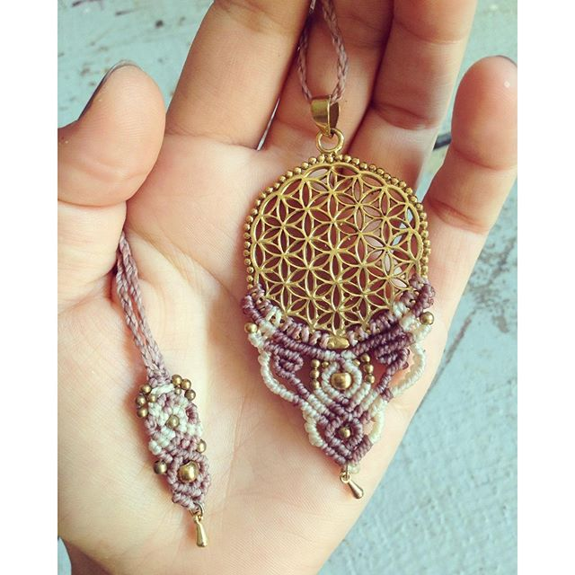 Flower of life necklace - dustypink and white  #floweroflife #floweroflove #dustypink #macrame #bohostyle #micromacrame #macralove