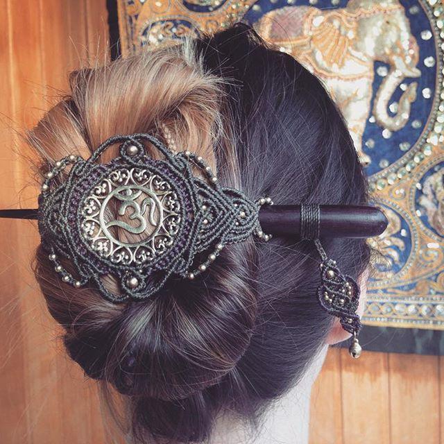 dieser, wie ich finde, wunderschöne Haarschmuck ist heute entstanden #hairjewelry #macrameart #macralove #macramehairpiece #ohm